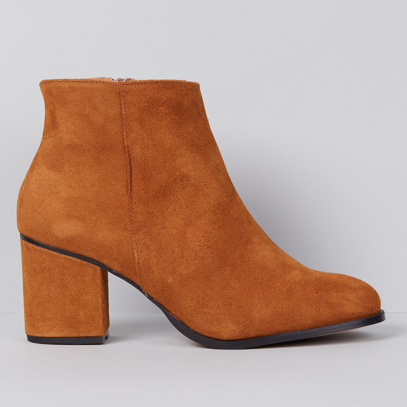 Bottines en Velours de Cuir - Talon 7.5 cm - Apologie - Modalova