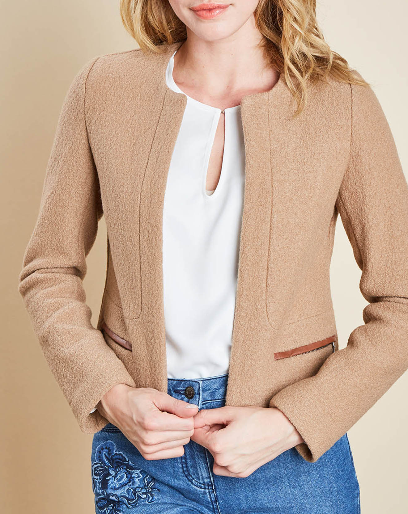 Veste en laine Cathy courte beige moyen - Caroll - Modalova