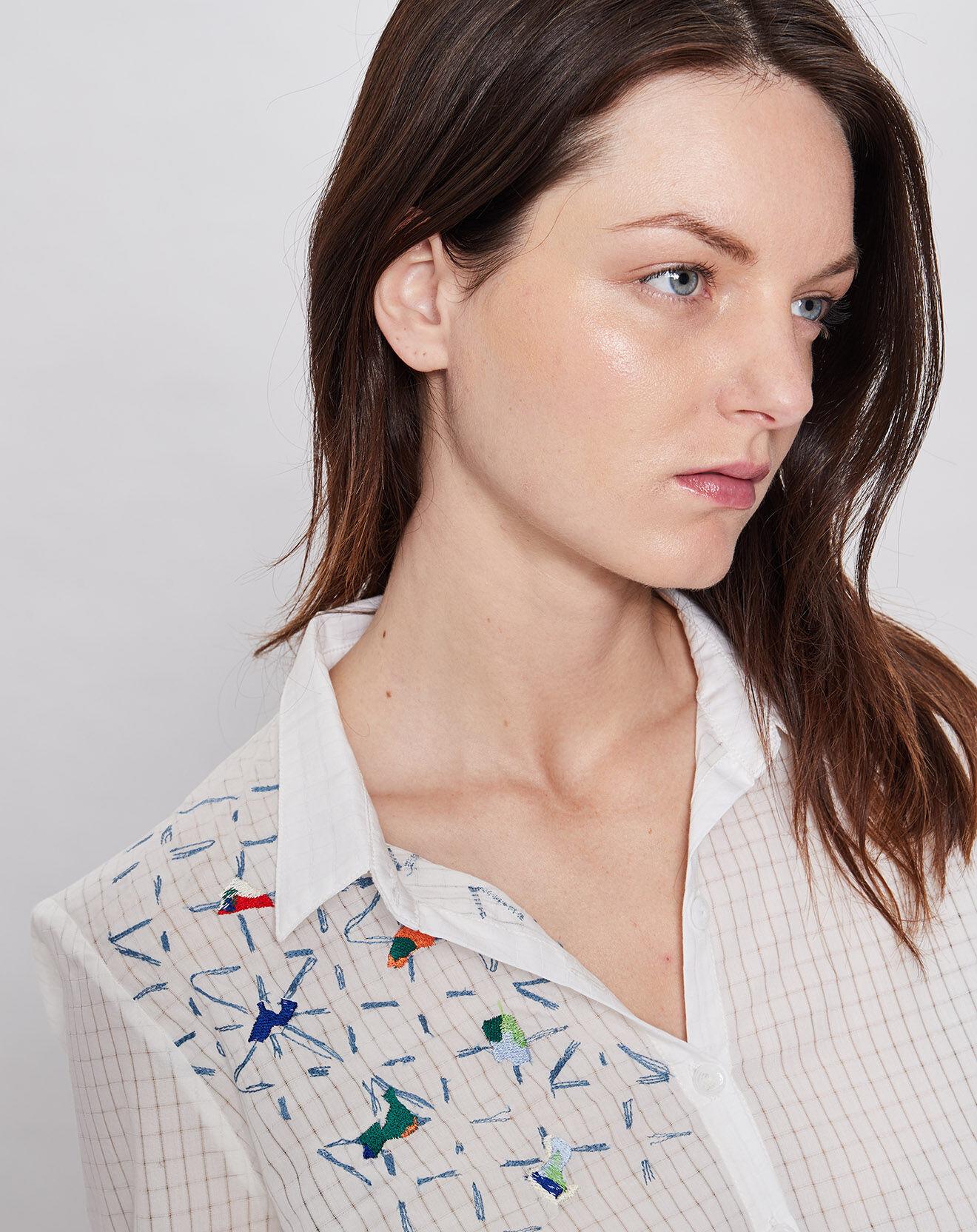 Chemise brodée à carreaux blanc/bleu